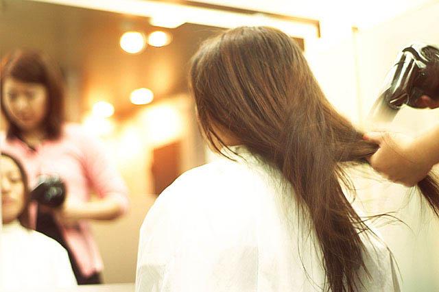 自分の髪で作るオーダーメイドウィッグ